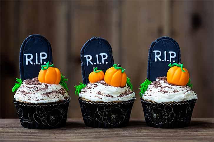 halloween cupcake gravestones